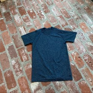 Lululemon Men's Small short sleeve shirt